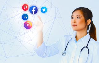 A lady doctor demonstrating the Importance of Social Media Marketing in Healthcare